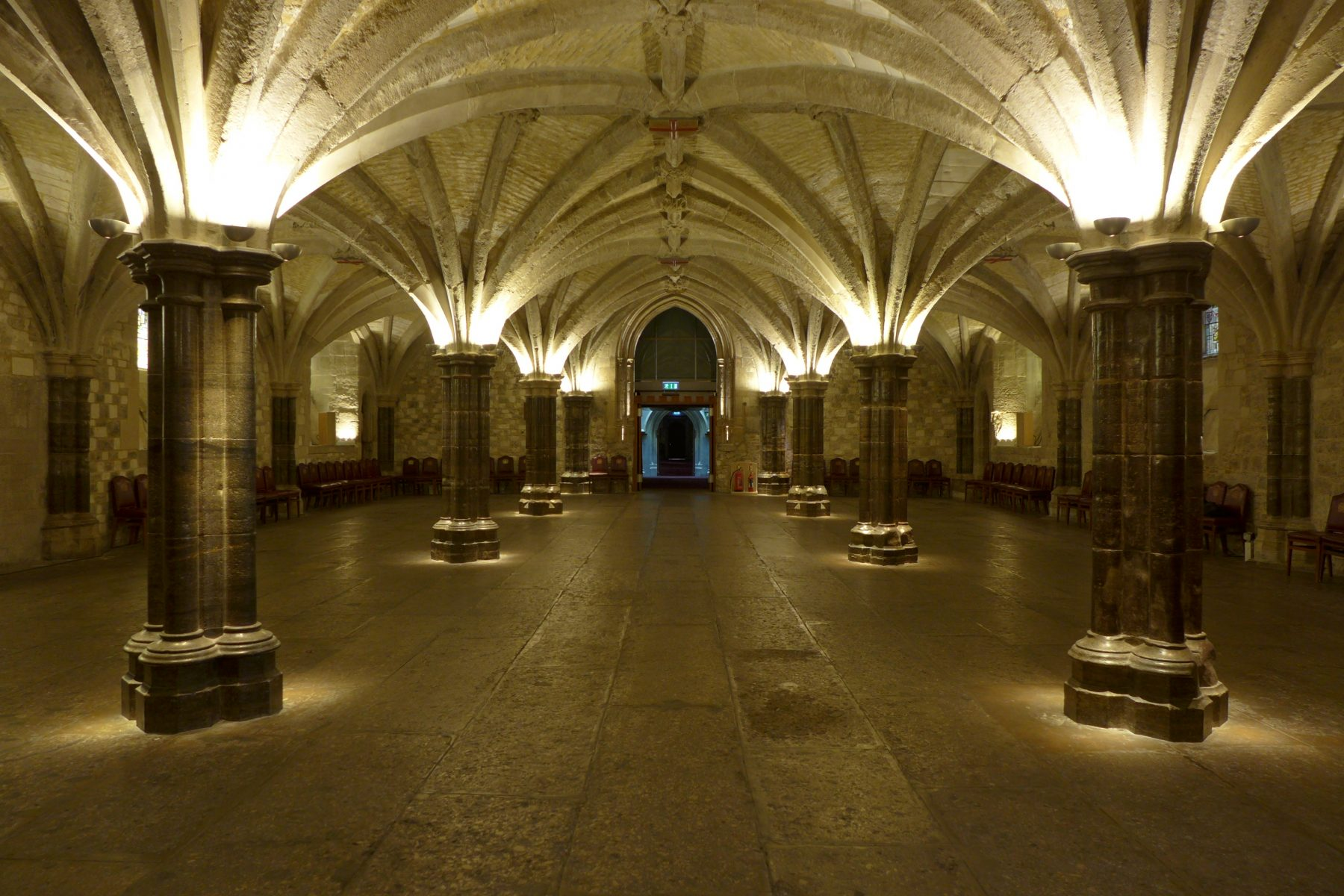 guildhall london crypts  london - dpa lighting consultants