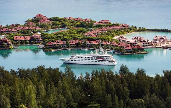 Crystal Esprit </br> Luxury Yacht